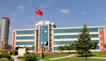 Turkiyada ta'lim olish